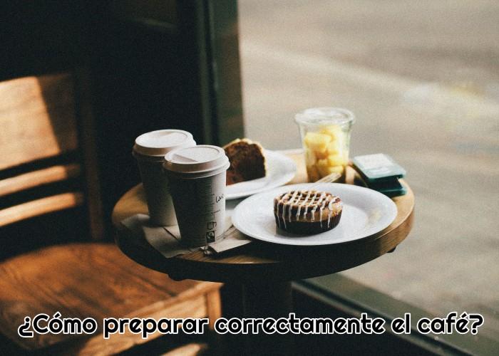 mesa-de-cafeteria-llena-de-cafe-y-dulces-para-desayunar